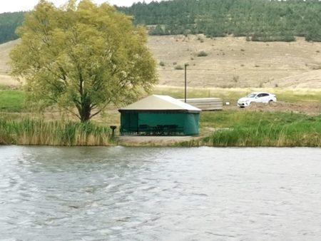 беседка снять у озера ,мангал